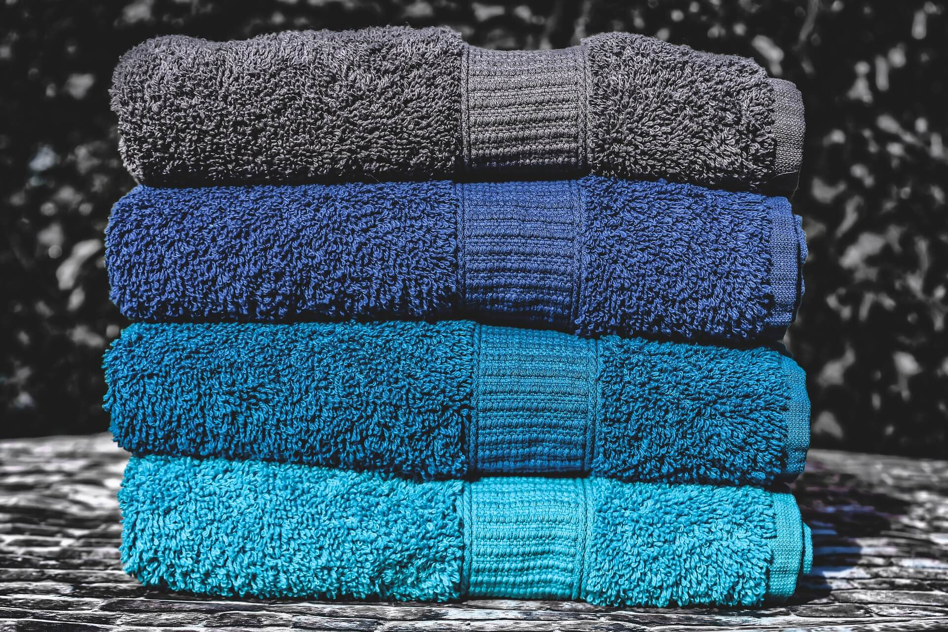 Best 18 Yoga Towels For Mat & Wipe Up Hands & Face
